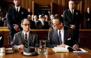 Mark Rylance as Col. Abel (l.), Tom Hanks as James Donovan (r.).